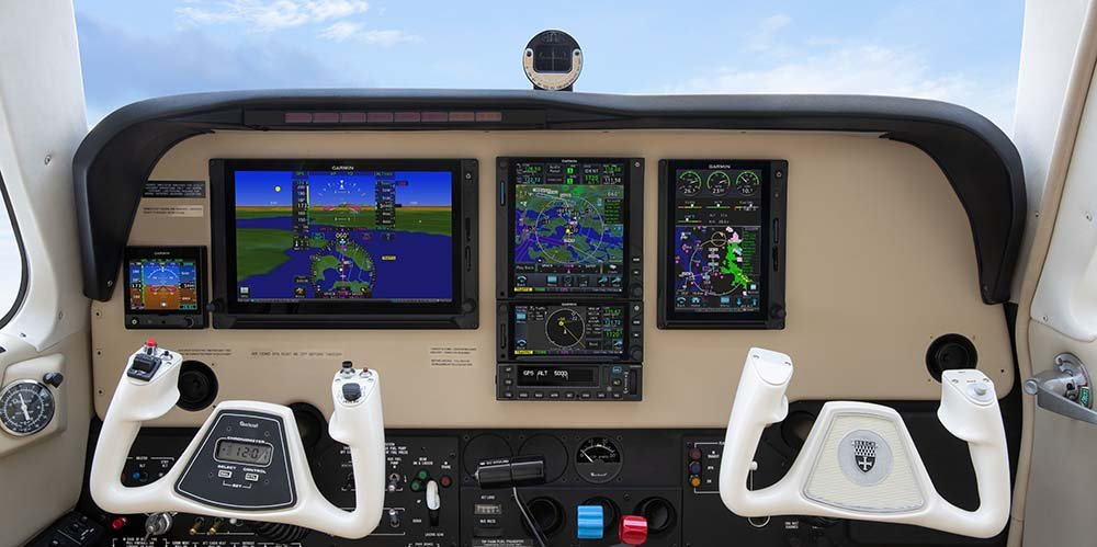 Beechcraft Bonanza panel featuring Garmin GTN Xi, TXi and G5