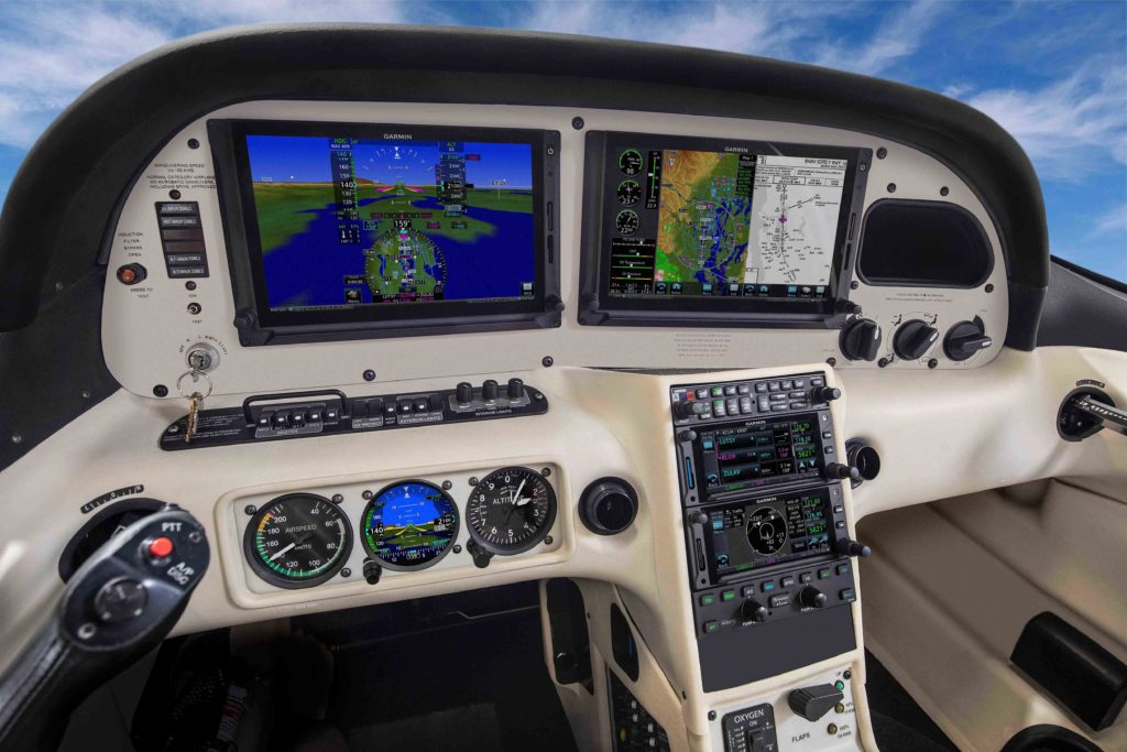 Cirrus panel featuring G500 TXi